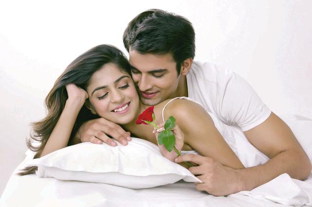 """Chuyện """"yêu"""" chính là chất xúc tác cho cuộc sống hôn nhân thêm thăng hoa."""