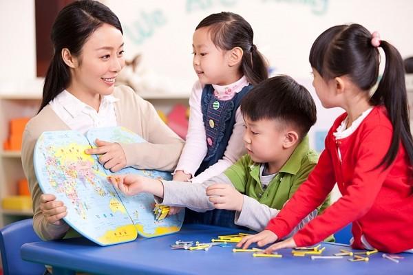 Phẩm chất, tư cách của một người thầy quan trọng hơn những gì họ dạy rất nhiều.