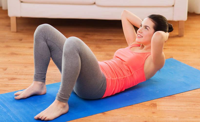 Sau khi sức khỏe đã ổn định, bạn có thể chạy bộ hoặc tập các bài tập chuyên sâu cho vùng bụng như: gập bụng, nâng chân…