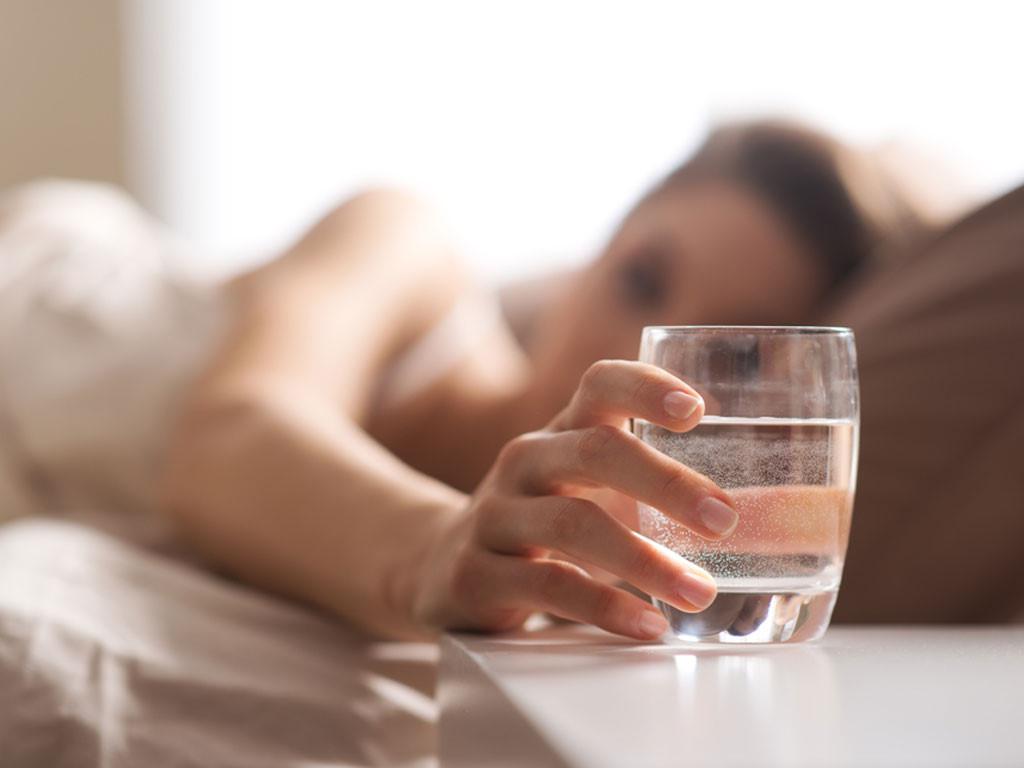 Thiếu nước ối khi mang thai cần làm gì?