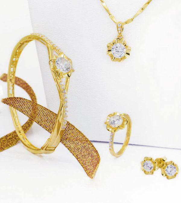 Bộ-trang-sức-Vàng-18k-đính-đá